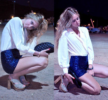 Chiara Ferragni - H&M Sequins Shorts, Chanel Clutch, Miu Heels - The electric blue sequins shorts