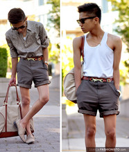 Mc kenneth Licon - Ray Ban Rayban Wayfarers, H&M Bag Strap Turned Into A Belt, My Old Gray Trousers Turned Shorts, H&M Duffel From, Zara Nude Oxford - Neutrally Chic