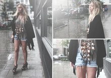Fanny Lyckman - åHlens Poncho, Homemade Shorts, Gina Tricot Tshirt, Market Dreamcatcher - Dreamcatchers are made to rock