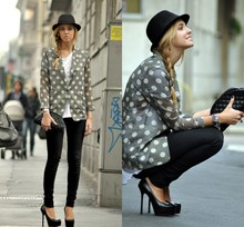 Chiara Ferragni - Yvs Tribtoo Heels, Chanel Clutch - Yves Saint Laurent tribtoo heels, love!