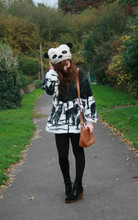 Nadine B - Vintage Polarbear Jumper From Mum, Primark Shoes, River Island Panda Hat, Vintage Bag - PANDA POWER