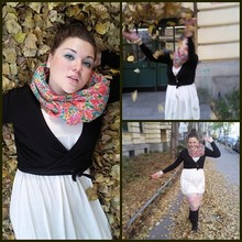 Julianna Hau - United Colors Of Benetton Cardigan, Stradivarius Dress, H&M Scarf - Flowers in the autumn