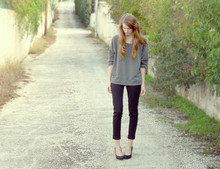 Emma Sngn - H&M Sweater, Zara Pants, Zara Pumps - Isabel Marant inspired