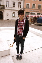 Harrison M. - Vintage Umbrella, H&M Cheap Shoes, Zara Plaid Shirt, H&M Tight Cardigan, H&M Suspenders, Vintage Shoelace Belt, Vintage Old Jeans - Your Visits Are Getting Shorter.