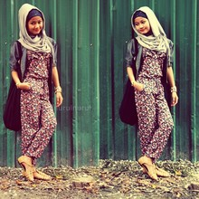 Nurul Hidayati - Cotton On Sling Bag, Floral Jumpsuit, Half Jacket, Forever 21 Bangle - Jump jump!