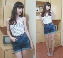 Lilian Larrañaga - Argonaut Polkadots Top, Renner Shorts, Second Hand Store Vintage Belt - Always where I need to be