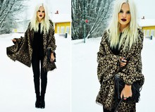 My Blomquist - Gina Tricot Leo Scarf, Dna Wedges, H&M Bag, H&M Fake Leather Pants - Dark lips