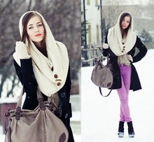 Kasia Szymków - H&M Coat, Solar Bag, Bershka Scarf, Vero Moda Purple Pants - Oh the weather outside is frightful...