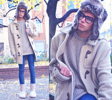 Gianni Sarracino - Ugg Boots, Vintage Montgomery, H&M Cashmere Sweatshirt, H&M Faux Fur Hat - No Uniform is gonna keep you WARM