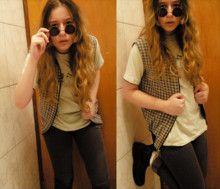 Camilla Martins - Spherical Brown Glasses, Jacket Chess, Beige Tshirt, Jeans, White Socks, Black Boots - Let me drive your car, boy
