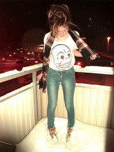 Emma Schwarz - Cheap Monday Tshirt, Cheap Monday Jeans - Maby, you´re gonna be the one that saves me!