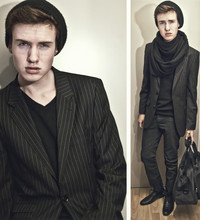 Erwin Bloemendal - Blackbeanie, Scarf, Striped Blazer, Dark Grey Jeans, Bag I Got From My Mom, Black Shoes - Plain talking