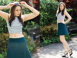 Kelsey W - Aeropostale Crop Top, J.Crew Fluted Crepe Skirt, Lulu*S Heels, Kate Spade Bangle, Ray Ban Sunglasses - All the Trends
