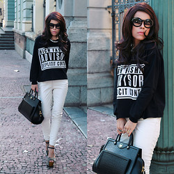 Priscila Diniz - Advisory Top, M.Leon Black Leather Bag, White Pants, Spiked Sandal, Sunglasses - Rich fashion advisory