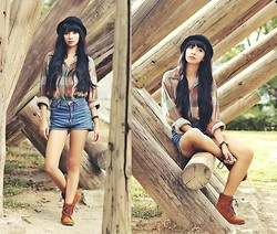 Lyndsay Picardal - Bowler Hat, Plaid Longsleeves, Highwaist Denim, Laced Up Boots - Country Girl
