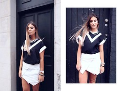 Liv Rahmé - Mlm Team Tee, Winston Wolfe Leather Wrap Skirt, Coco Liberace Oversized Chain Necklace - Monochrome