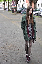 Laura R. - Weekday Dress, H&M Belt, Gina Tricot Cardigan, Monki Parka, Atmosphere Tights, Asos Socks, H&M Velvet Platforms - Velvet platforms