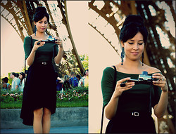 Loraine Kelly B. - Asos Mid Lenght Skirt - Under the Eiffel Tower <3