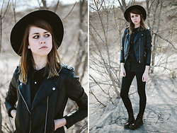 Katie Bauer - Urban Outfitters Hat, H&M Jacket, Dr. Martens Doc - Sulk and Sand