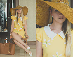 Olga Choi - Oasap Dress, Miss Nabi Hat, Michael Kors Bag - Mallorca dreams