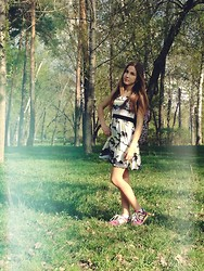 Nastya - H&M Unicorn Dress, New Balance Sneakers, H&M Pink Leopard Backpack - Wild Unicorn
