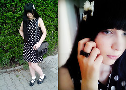 Yuki Ichigo - Offbrand Ribbon Ring, Cameo The Label Necklace, Antaina Teaparty Shoes, Tutuanna Lace Socks, H&M Dot Dress, Frontrowshop Black Satchel Bag, Off Brand Mini Bows - Polka Dot!