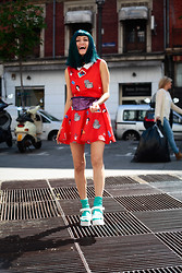 AMINTA ONLINE - Minueto Dress, We Love Colors Socks, Wig, Asos Sandals - The red dress