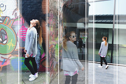 40 22 City lights - Mango Grey Sweter, Nike White Airforce, H&M Black Pants, Ray Ban Sunglasses - Gent outfit #1