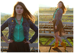 Cerasela Bortos - H&M Denim Jacket, H&M Mint Top, Leather Summer Boots, H&M Necklace, Grey Skirt - Green Touch