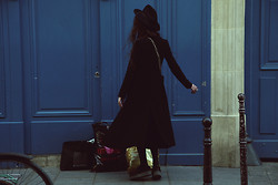Violet Ell - Thrift Store Hat, Underground Creepers, Chanel Bag - 16.04.2014