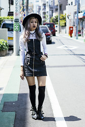 Nicole Ngaise - Unif Outlaw Jumper, Underground Winklepicker - Outlaw
