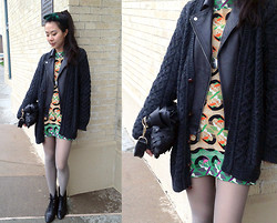 Kiva Liu -  - Leather jacket under an oversize sweater