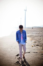 Adrian Leander - Gap Denim Jackets, Oxygen Ombre Top Tanks, Foldend&Hung Loose Jeans - Life's a beach