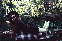 Violet Ell - Thrift Store Hat, Dr. Martens Boots, Ray Ban Sunglasses - --.--.2013