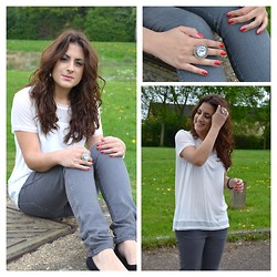 Layla D - H&M Top, Jewellery Statement Ring, H&M Shoes, H&M Jeans, Nails Inc Nail Polish - White & Grey