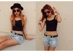 Elenalien - Forever 21, Crop Top, Vintage Shorts - Act Without Expectation