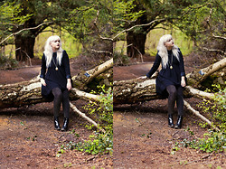Samantha Nash - Mrs Blak Swing Dress, Primark Lurex Leggings, River Island Pointed Toe Boots - Black is the new black