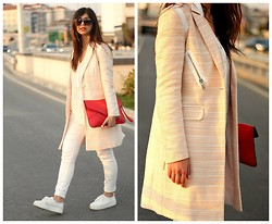Ozden Ozdogan - Zara White Jeans, H&M White Sneakers, Blush Coat, Carrera Sunglasses - BLUSH COAT