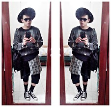 Rei Hontanar - Understar Goddess Jacket With Shredded Print, Post Mod Shorts With Polka Dot Layer, Converse Sneakers, Salvatore Mann Leather Bag, Ray Ban Shades, Japan Hat - Dreaming of winter amidst the sweltering weather