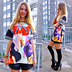 Ania Zarzycka - Choies T Shirt - Every woman is a superwoman!