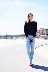 Societygrl Blog - Sanctuary Top, Topshop Boyfriend Jeans, H&M Shoes - Newport Beach