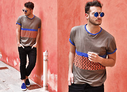 Lorenzo Liverani - Marc By Jacobs Tee, H&M Pants - RED WALL