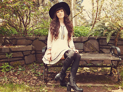 . . - Banggood.Com Wide Brimmed Hat, Rose Wholesale Chunky Heeled Boots, Romwe Black Contrasting Tights, Romwe Spring Dress - Stones & Gravel