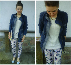 Claudia G. - H&M White Jumper, New Yorker Navy Blue Jacket, Bershka Flowers Leggings, Diverse Checkered Boots - WITE, BLUE, FLOWER AND CHECKERED