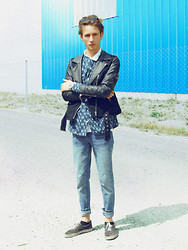 Christoph Amann - C&A Glasses, Asos Shirt, Zara Jacket, Cheap Monday Jeans, Vans Shoes - Right there with you .