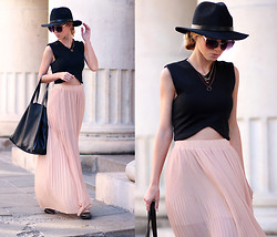 Sirma Markova - Sheinside Crop Top, Pull & Bear Maxi Skirt, Zara Flats, Bershka Bag, H&M Hat - Blush Hue