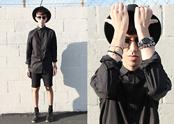 J. Sandoval Gomez - Zara Oversized Black Shirt, Topman Sweat Shorts, Moonspell Rising Night Stone Bracelet - 051114: Neo Bohemian Goth