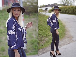 Marie Wolla - Days Like This Hat, Days Like This Print Jacket, Topshop Heels, Cubus Jeans - Silent before the storm