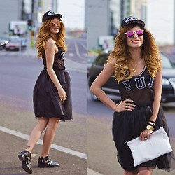 Grama Ioana - Tulle Skirt, Zara Cut Out Boots, Zara Stressed But Well Dressed Bag, Koton Sunnies - The tulle skirt.