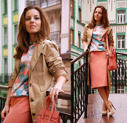 Iren P. - Mr. Gugu & Miss Go Flamingo Printed Sweatshirt, Vintage Coral Midi Pencil Skirt, Jessica Simpson Nude Suede Pumps, Oasap Candy Baby Pink Bag, H&M Midi Length Trench Coat - FLAMINGOS